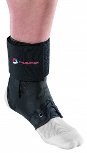 THERMOSKIN SPORTS ANKLE BRACE L
